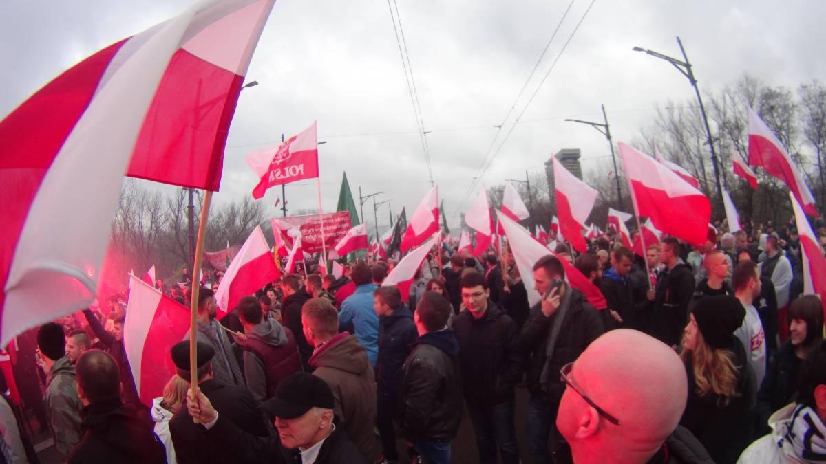 Polonia, migliaia in piazza contro l'immigrazione
