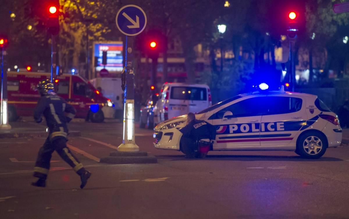 """""""Allah u akbar"""": Parigi è sotto attacco"""