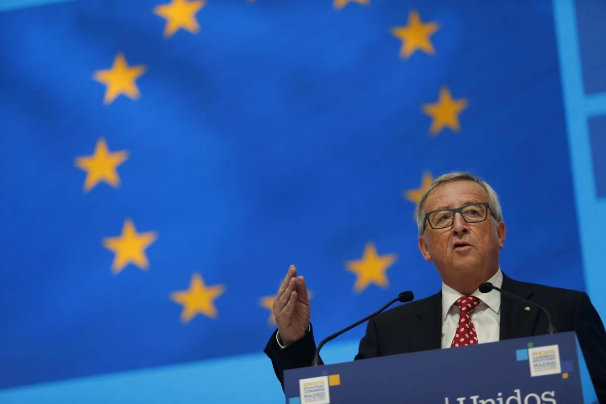 """Juncker: """"Non confondere i terroristi con i rifugiati"""""""