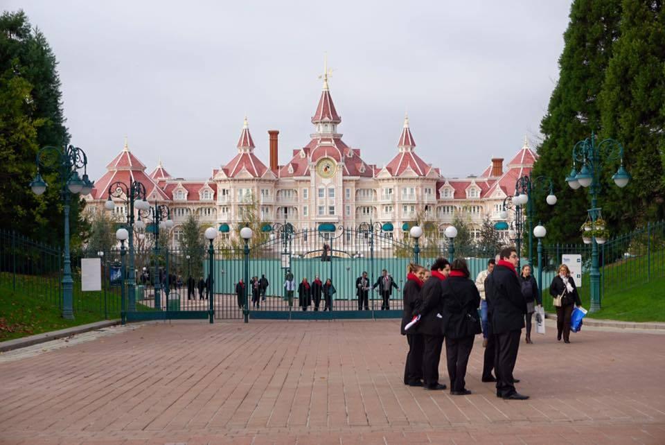 Il parco Disneyland Paris conferma la chiusura per tre giorni di lutto nazionale
