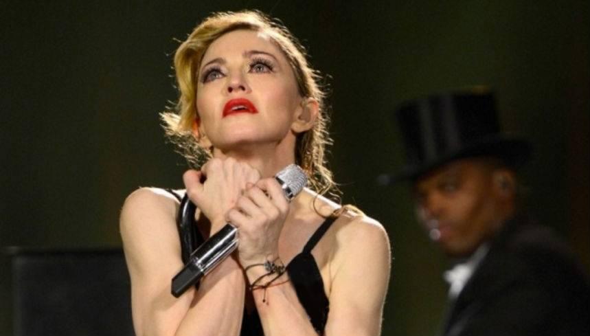"""Madonna conferma il tour: """"L'Isis non ci farà tacere"""""""