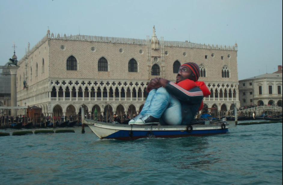 """Nella laguna di Venezia arriva il """"profugo gigante"""""""