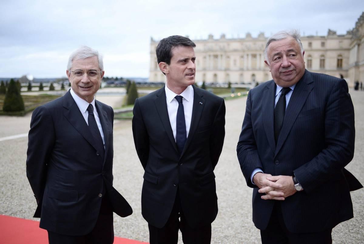 """Valls all'Ue: """"Per difenderci non rispettiamo il deficit"""""""