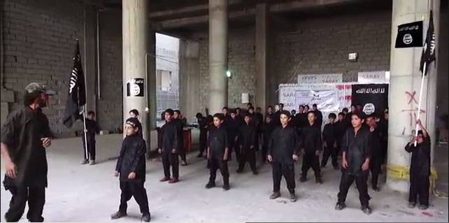 Scuola di terrorismo a Merano: i corsi per odiare e uccidere gli infedeli