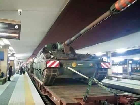 Carri armati in stazione a Milano