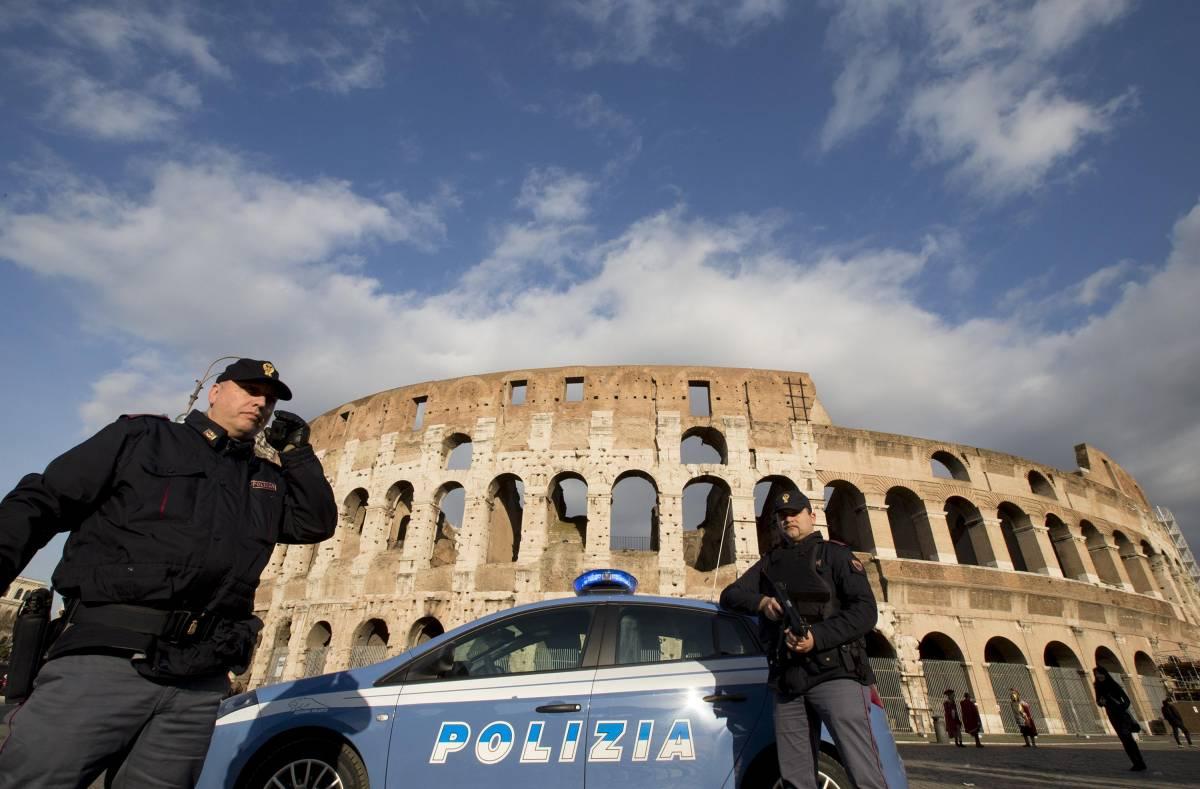 Sicurezza al Colosseo: ora arrivano i metal detector