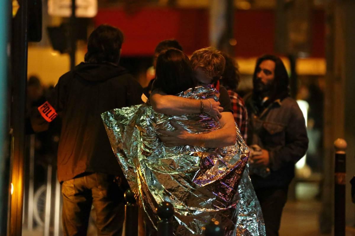"""""""Niente panico e foto"""": ecco come sopravvivere a un attacco jihadista"""