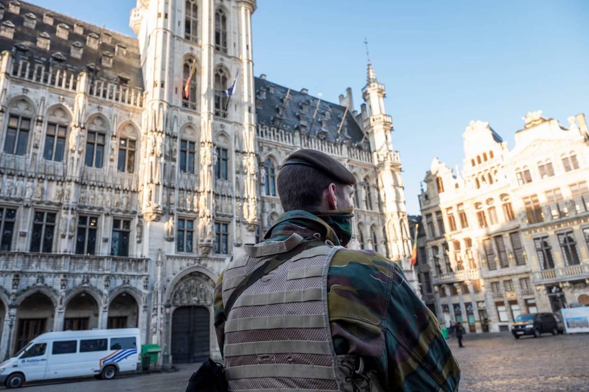 Bruxelles ancora paralizzata, il Re chiede aiuto al Marocco