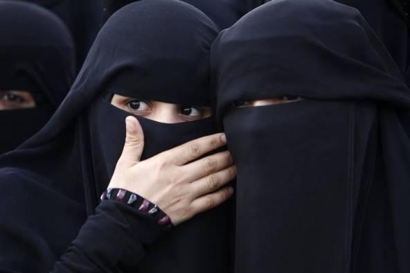 """Islamiche e monogame: """"Non condividiamo il letto"""""""
