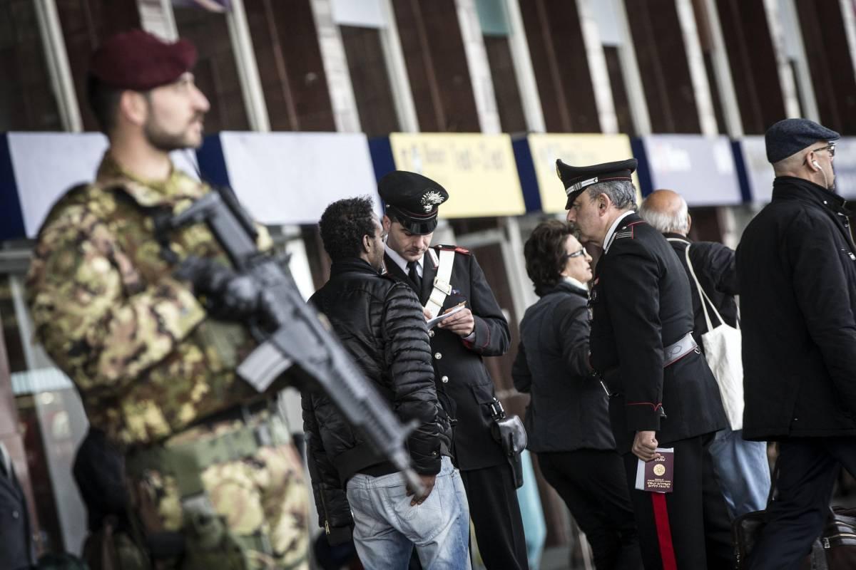 Video di decapitati sui cellulari: arrestato afgano diretto a Roma