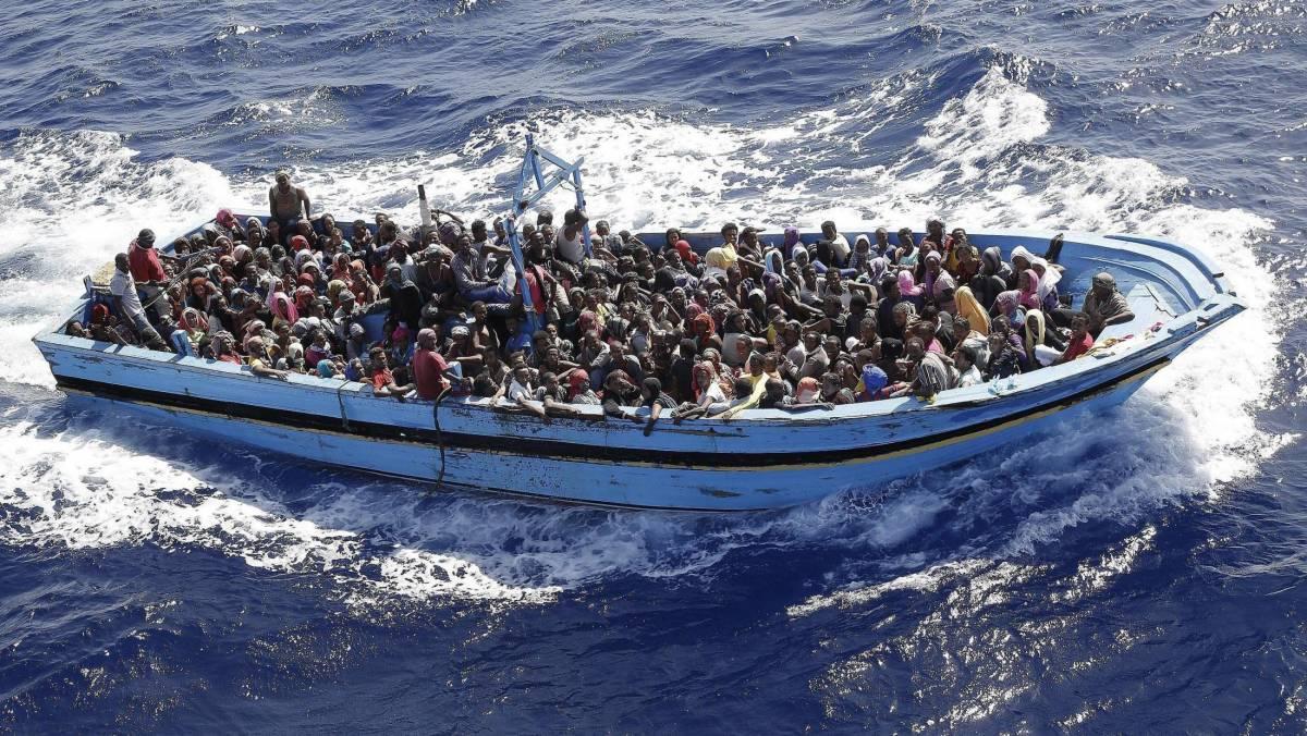 """Libia: """"Invaderemo l'Ue coi barconi dei profughi"""""""