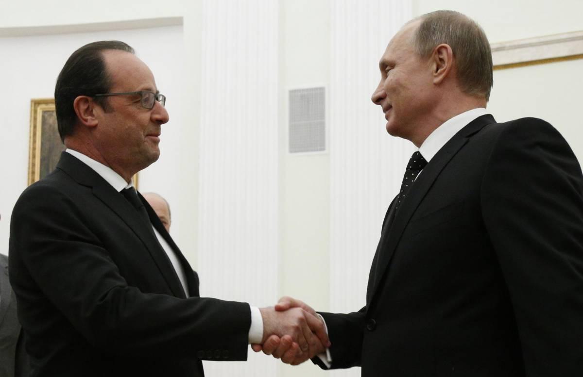 """Asse Russia-Francia: """"Uniti contro l'Isis"""". Hollande: """"Assad non ha futuro"""""""