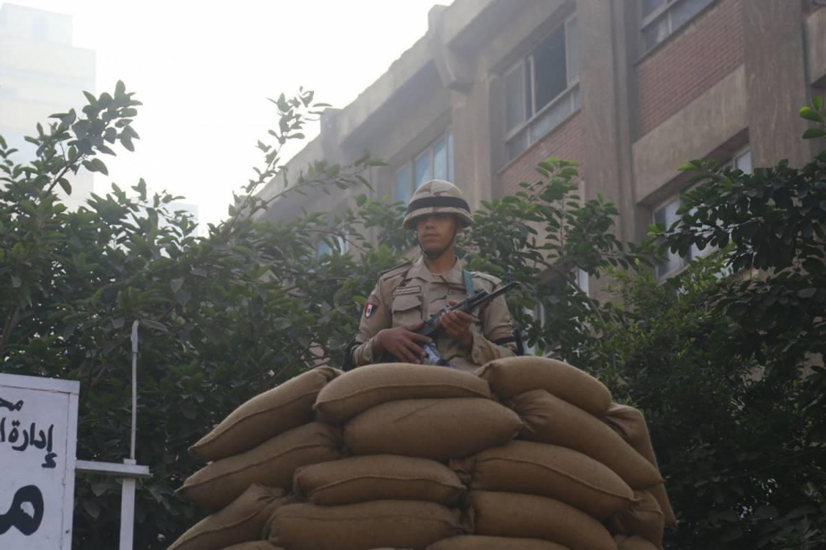 Egitto, attacco a Giza. Uccisi quattro poliziotti in un agguato