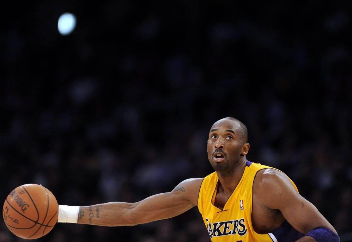 Kobe Bryant annuncia il ritiro dal basket
