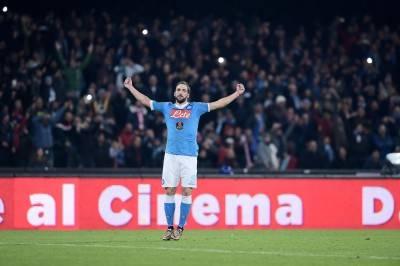 Il Napoli piega l'Inter e si porta in testa alla classifica