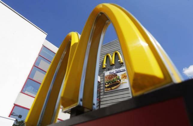 McDonald's apre in Vaticano e i cardinali sono in rivolta