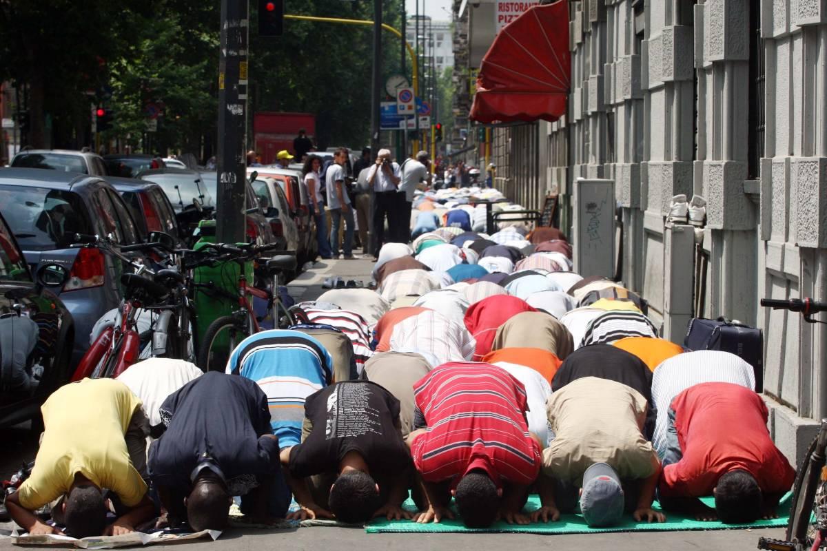 """Il divieto choc dei capi islamici: """"Non pregate per vittime infedeli"""""""