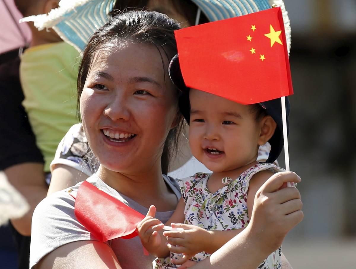 La Cina rallenta ancora: il Pil cresce solo del 6,9%
