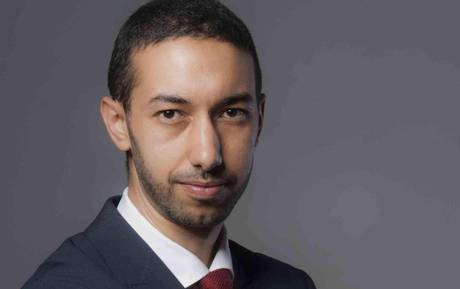 """""""Parassita, venduto, traditore"""": gli islamici """"linciano"""" Chaouki"""