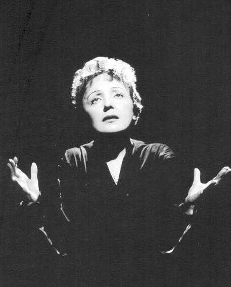 Unica e sola: i 100 anni di Edith Piaf la voce che ha fatto innamorare il mondo