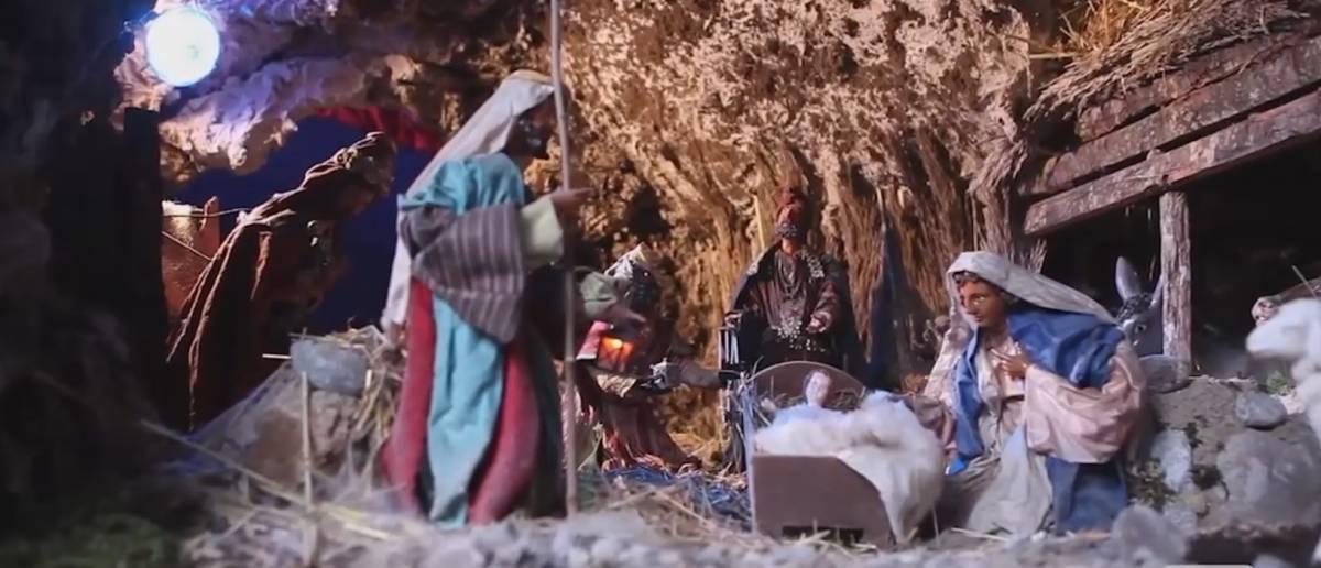 L'ultimo scempio al Natale: Gesù bandito dalla scuola