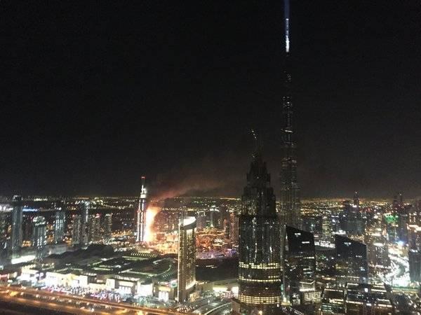 Vasto incendio a Dubai: prende fuoco hotel di lusso