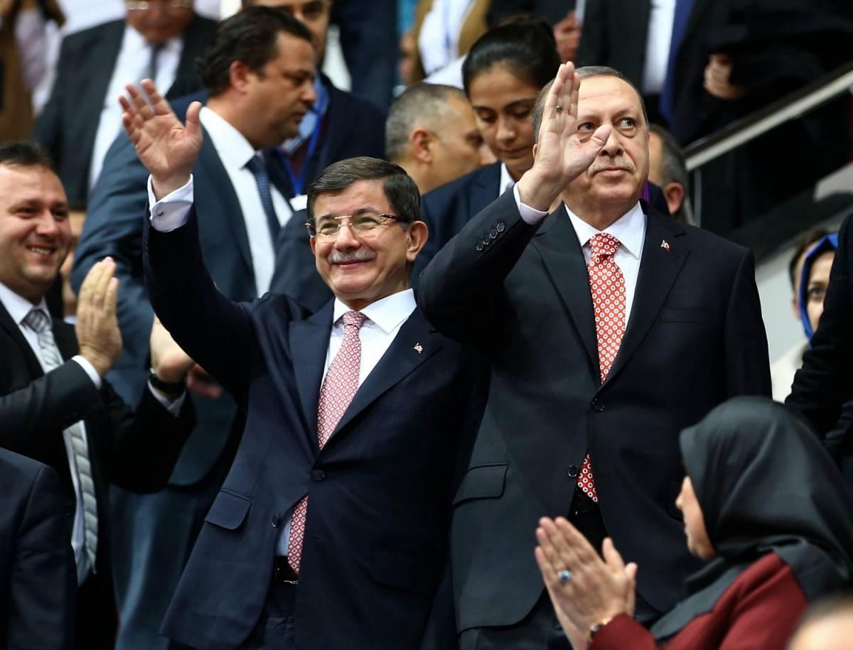 Ankara, fermati e espulsi oltre 35.000 sospetti jihadisti