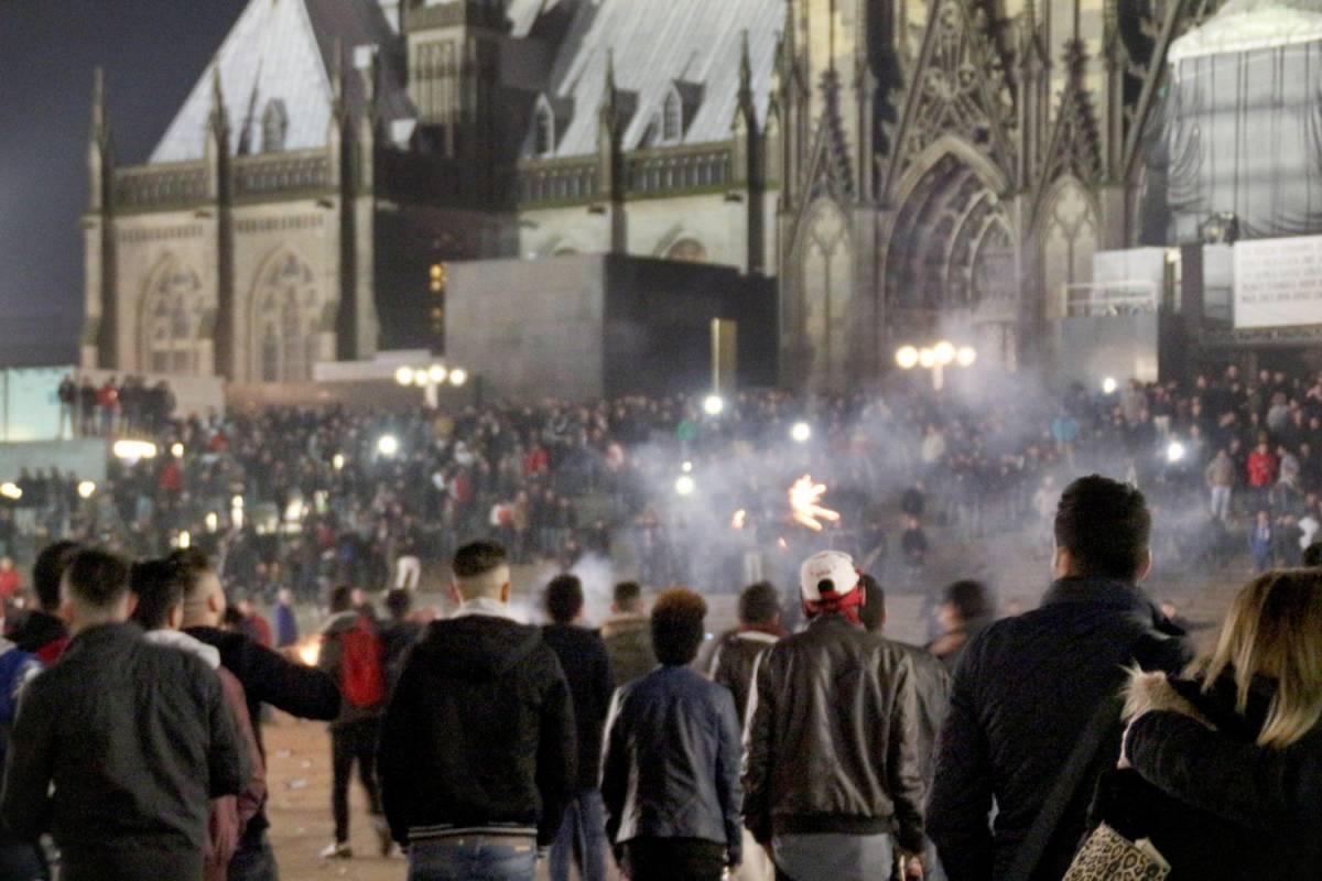 Cos'è successo a Colonia? Ce lo spiegano i francesi