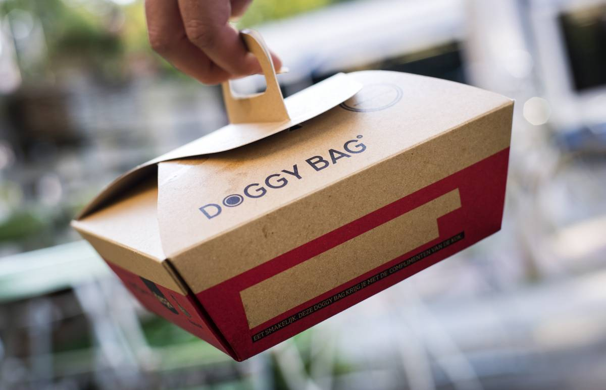 In Francia scatta l'obbligo della doggy bag per i ristoranti