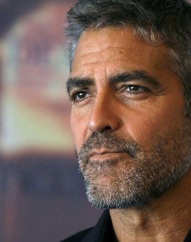 "Clooney: ""Amal incinta? No, abbiamo adottato un cane"""