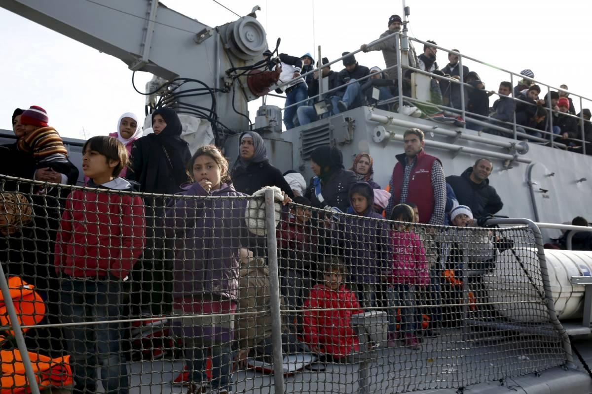"""Migranti, mobilitati 80 prefetti: """"Trovate subito 5600 posti"""""""