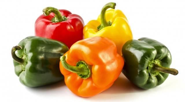 I diversi colori dei peperoni: ecco quali sono dei doppioni