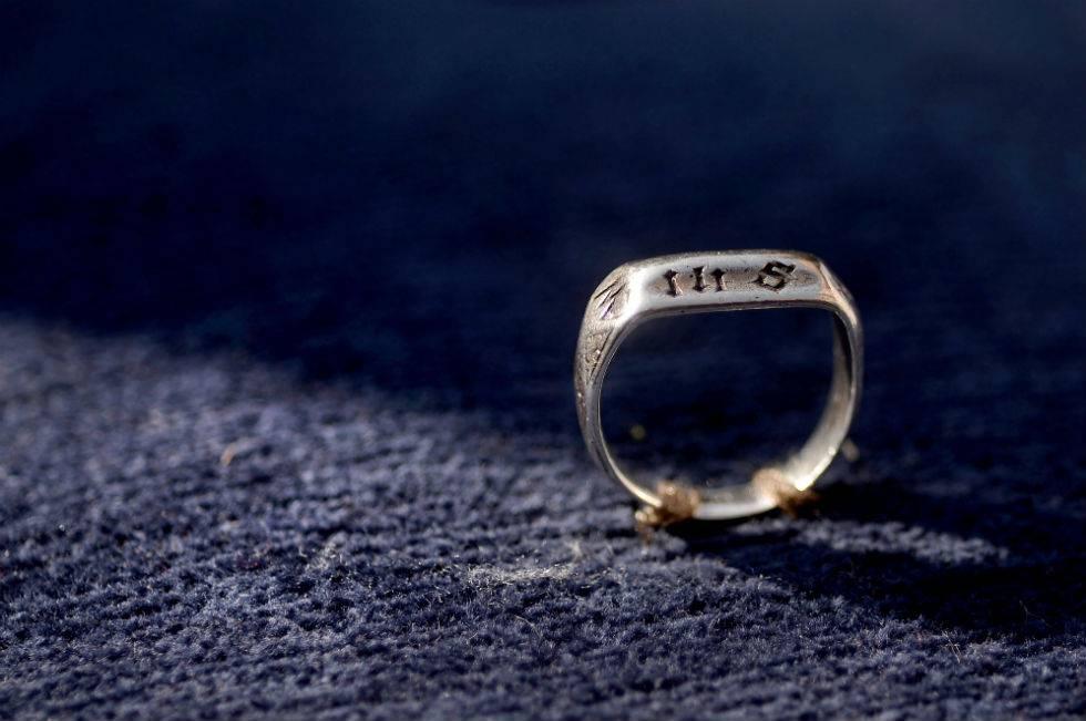 """Francia """"strappa"""" agli inglesi l'anello di Giovanna d'Arco"""