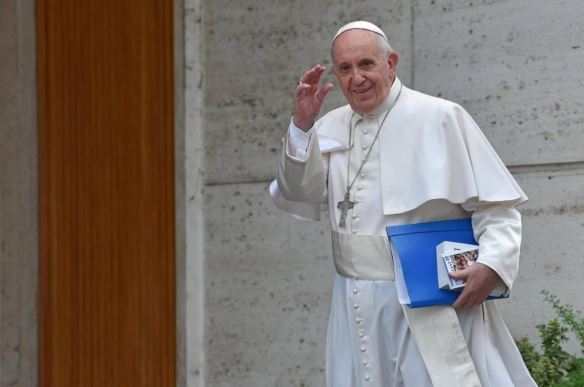 """Papa Francesco a Lesbo? Gesto contro politica Ue"""