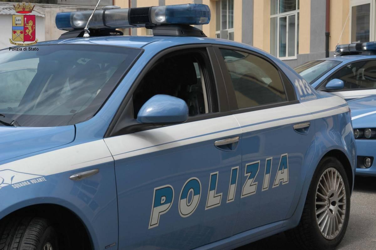 Poliziotto con tre figli  riceve busta paga da 1 euro