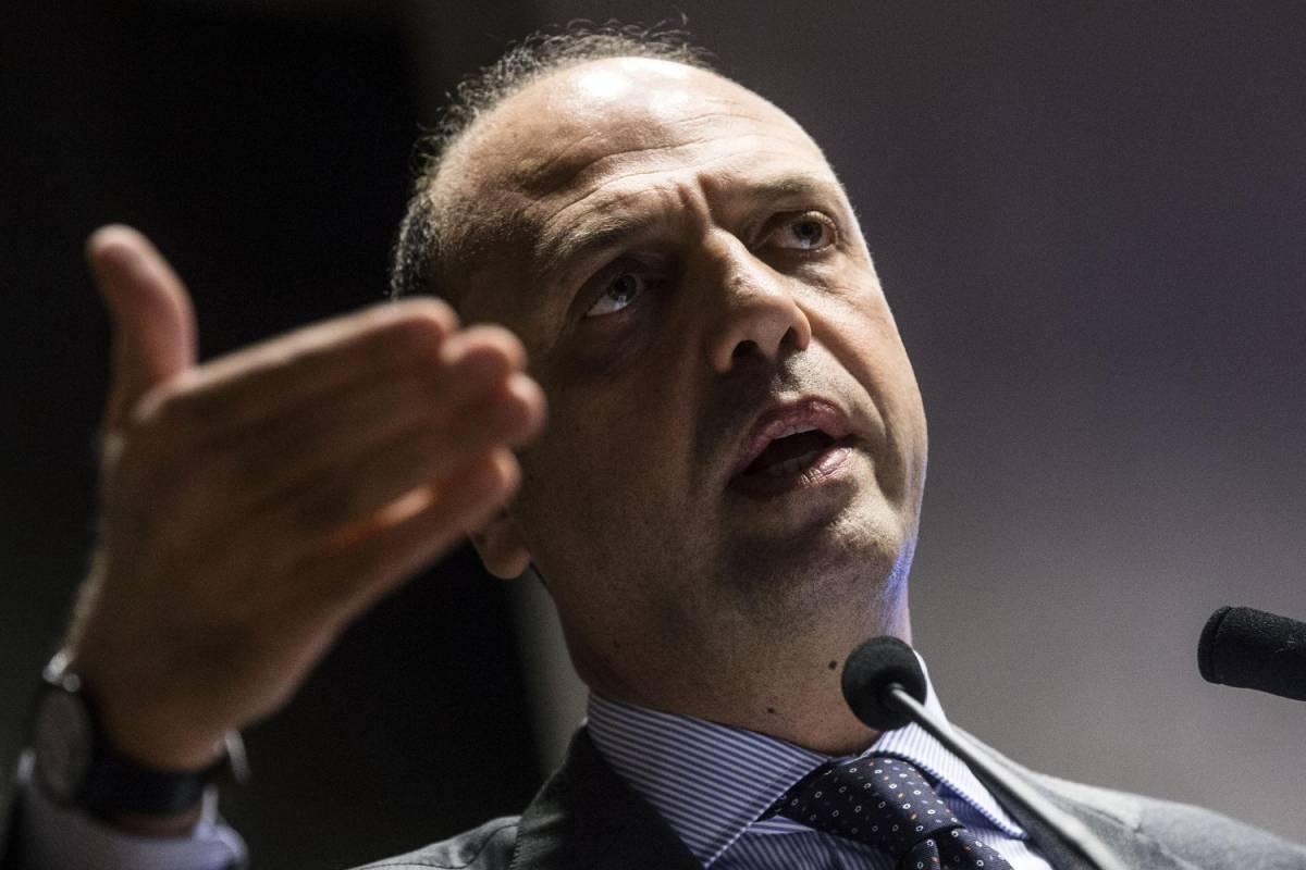 L'Udc scarica Alfano. E Casini lascia