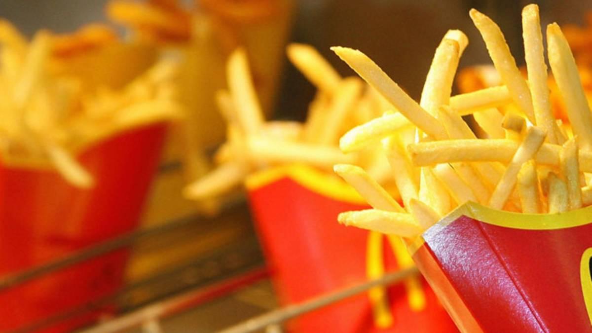 """""""Le patatine sono fredde"""". E il dipendente McDonald's aggredisce cliente"""