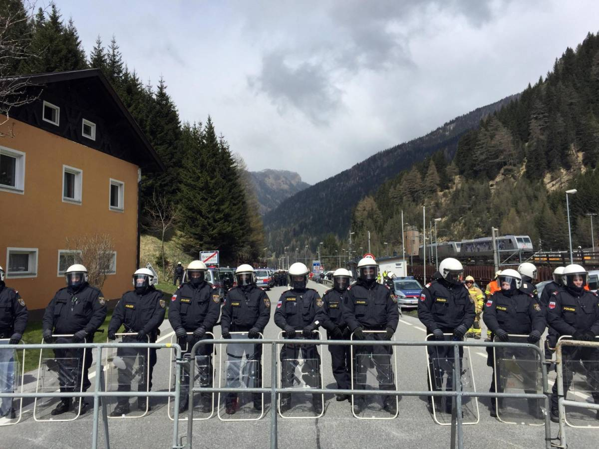 "Brennero, Hofer sfida Renzi: ""I controlli sono inevitabili"""