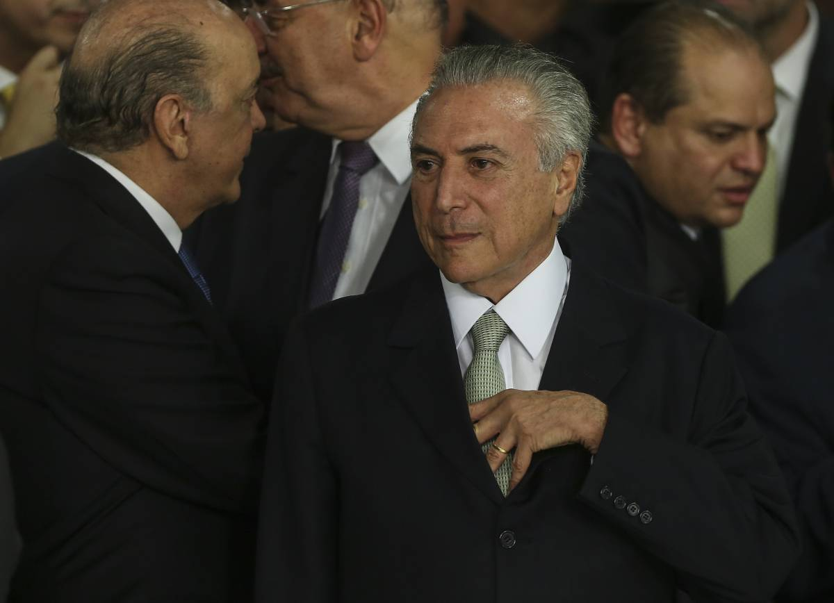 "Il presidente brasiliano in fuga dal Palazzo: ""Infestato dai fantasmi"""