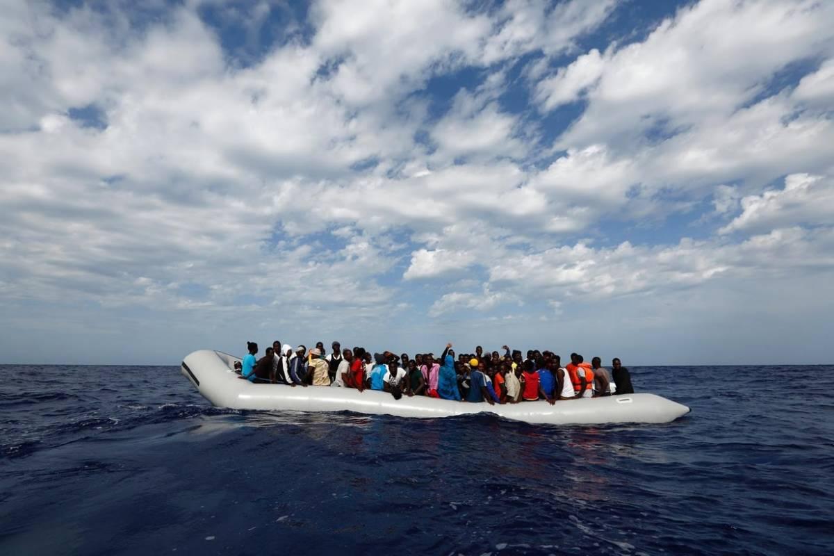 I migranti saranno identificati sopra hotspot in mare aperto