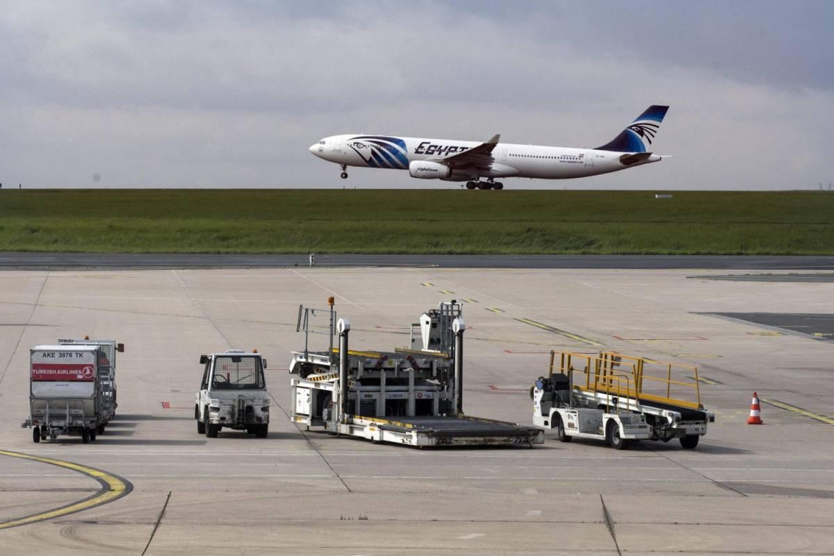 Airbus precipitato: il mistero dei 50 minuti di silenzio radio