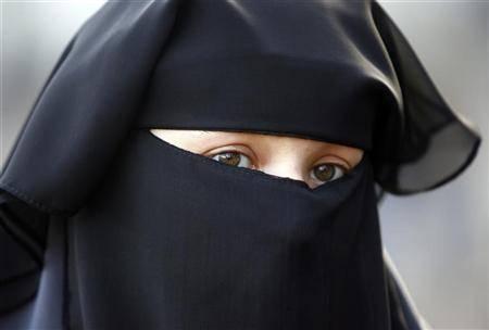 La Danimarca bandisce il burqa: vietato indossarlo in pubblico