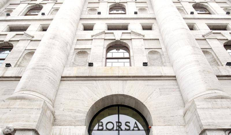 Le banche corrono in Borsa Il Tesoro nella mischia Mps