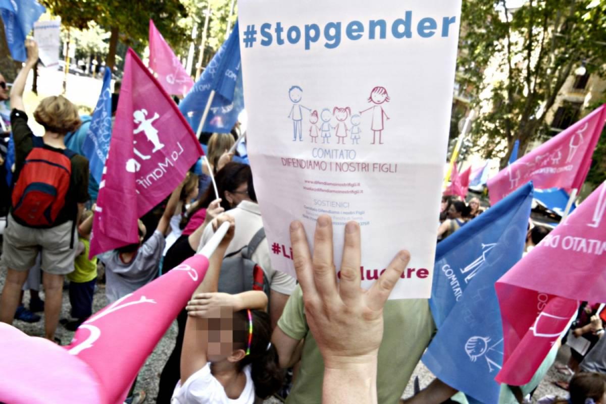 Gender-follia nel Lazio, arriva la protesta