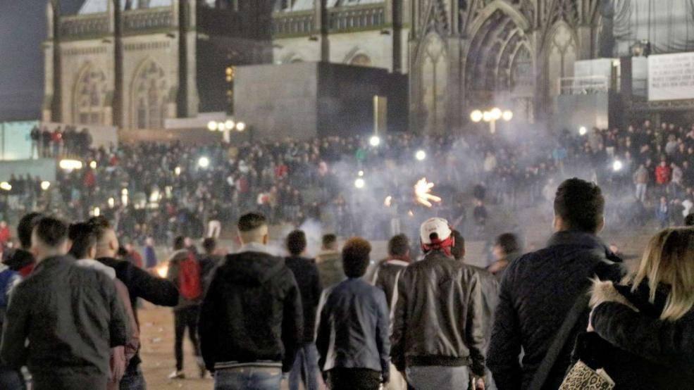 Tutti i numeri e i reati commessi a Colonia la notte di Capodanno