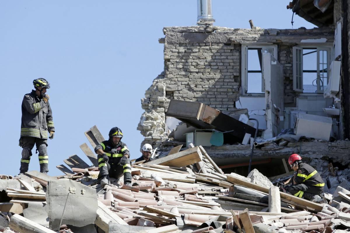 """Il sindaco di Amatrice: """"Combatterò per il paese. Dopo sisma si risorge"""""""