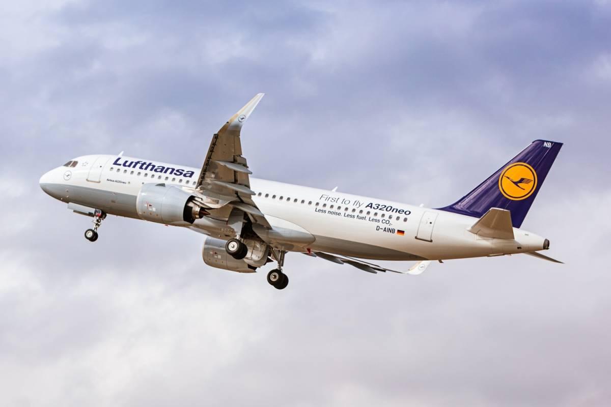 Il coronavirus affossa le compagnie aeree: molte rischiano la bancarotta
