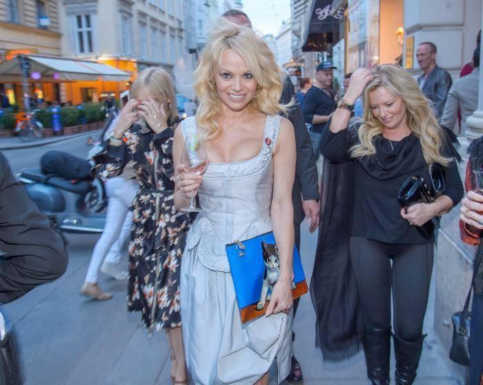 """Pamela Anderson: """"Il porno è il male"""""""