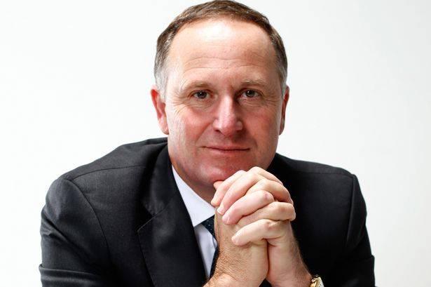 """Il premier neozelandese: """"Giovani fannulloni e drogati, servono migranti"""""""