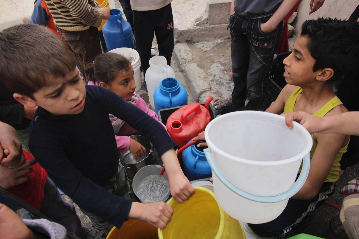 Siria, allarme dell'Unicef: ad Aleppo 100mila bambini intrappolati